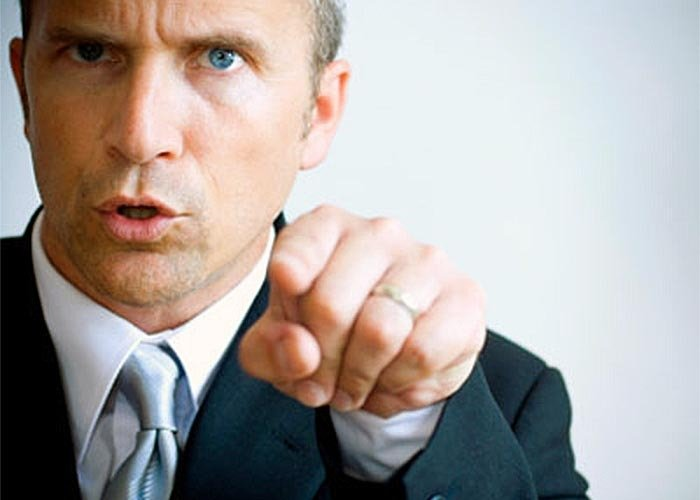7 Dumb Things All Sales Managers Do (Which Annoy Sales People)